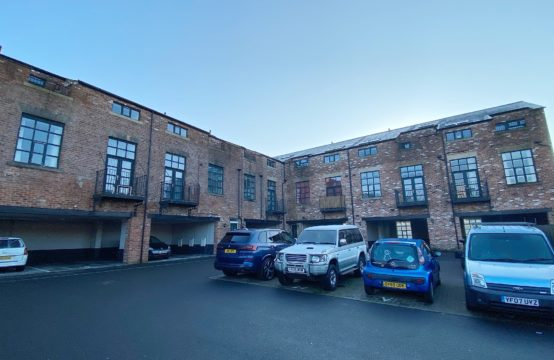 Shaw Lodge, Wardle, Rochdale OL12 9JQ